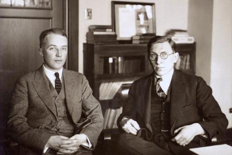 Sir Frederick Banting, kanadai orvos 1923-ban J.J.Robert Macleoddal megosztva orvostudományi Nobel díjban részesült az inzulin felfedezéséért.
