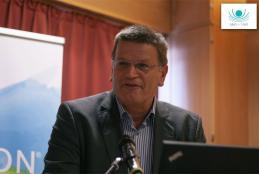 A konfenrencia levezetését Dr. Velkey György, az MRE Bethesda Kórház igazgatója vállalta el.